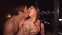 高層ホテルで夜景をバックに美少女と淫らに交わり合う濃厚なSEX!